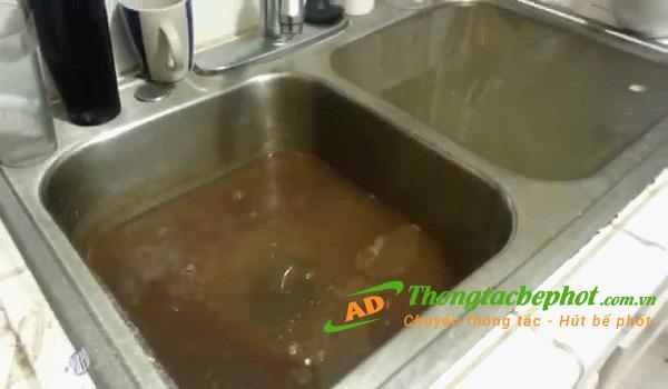 Mẹo xử lý khi bồn rửa bát bị tắc